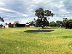 Cleve Golf Club - Goulburn Accommodation