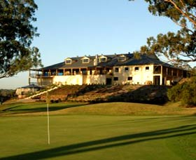 Macarthur Grange Country Club - Goulburn Accommodation