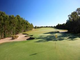 Pelican Waters Golf Club - Goulburn Accommodation