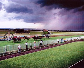 Hawkesbury Race Club - Goulburn Accommodation
