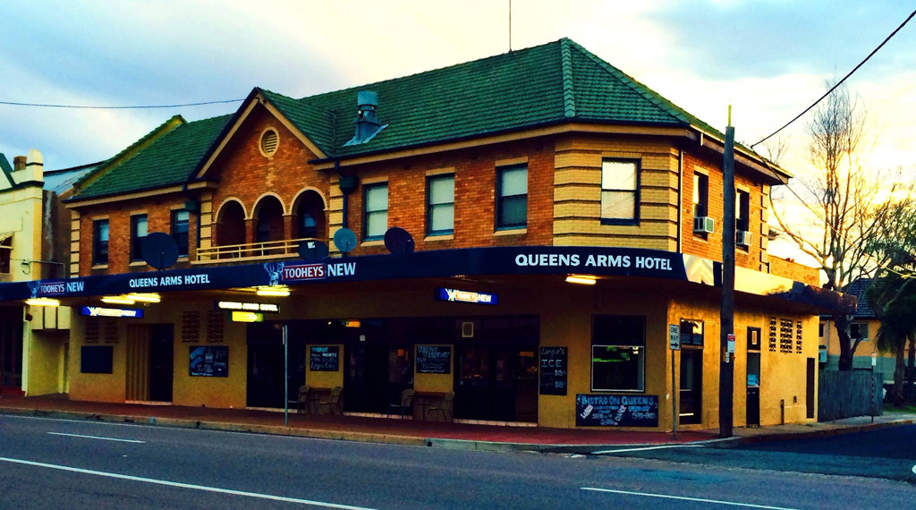 Queens Arms Hotel - Goulburn Accommodation