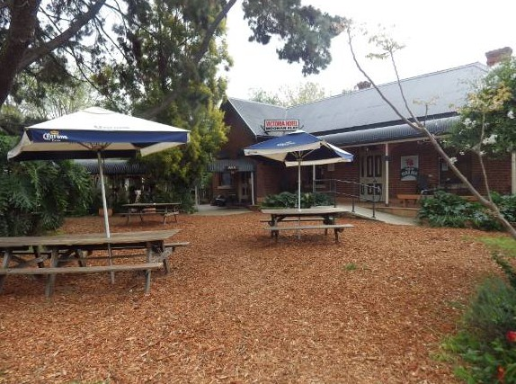Victoria Hotel - Goulburn Accommodation