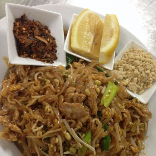 Num Whan Thai Restaurant - Goulburn Accommodation