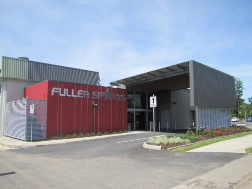 Fuller Sports Club - Goulburn Accommodation