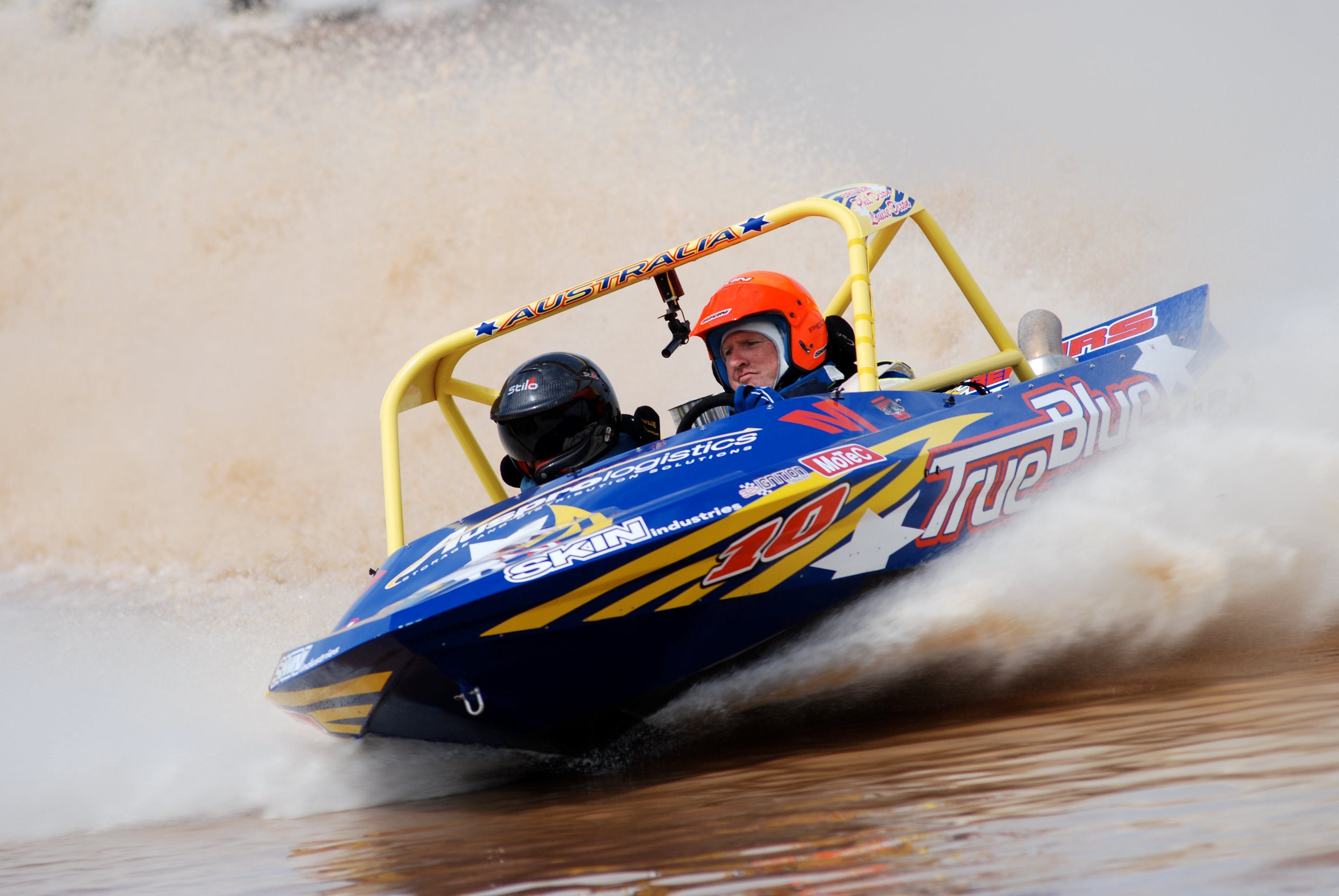 V8 Superboats - Goulburn Accommodation