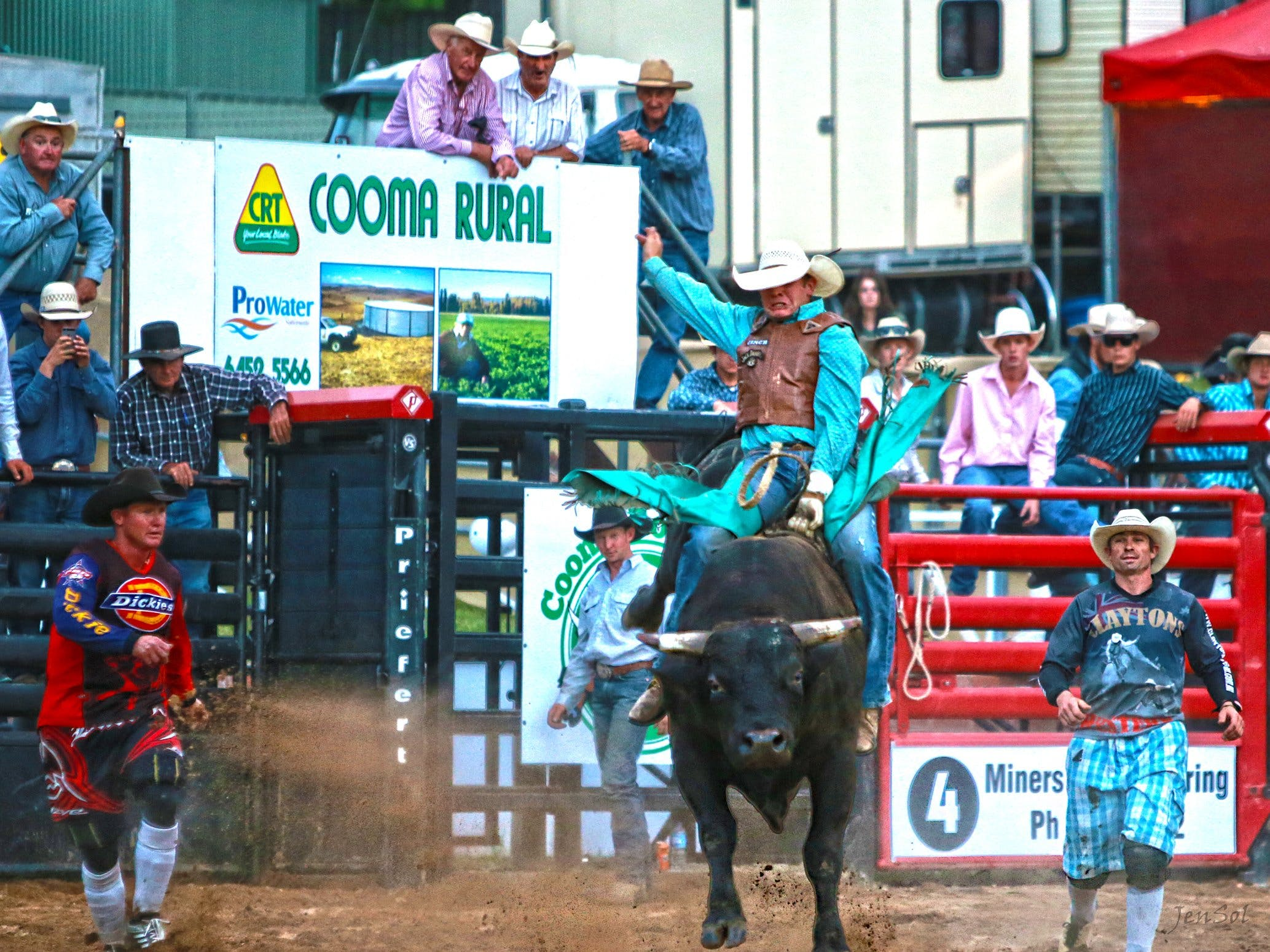 AgriWest Cooma Rodeo - Goulburn Accommodation