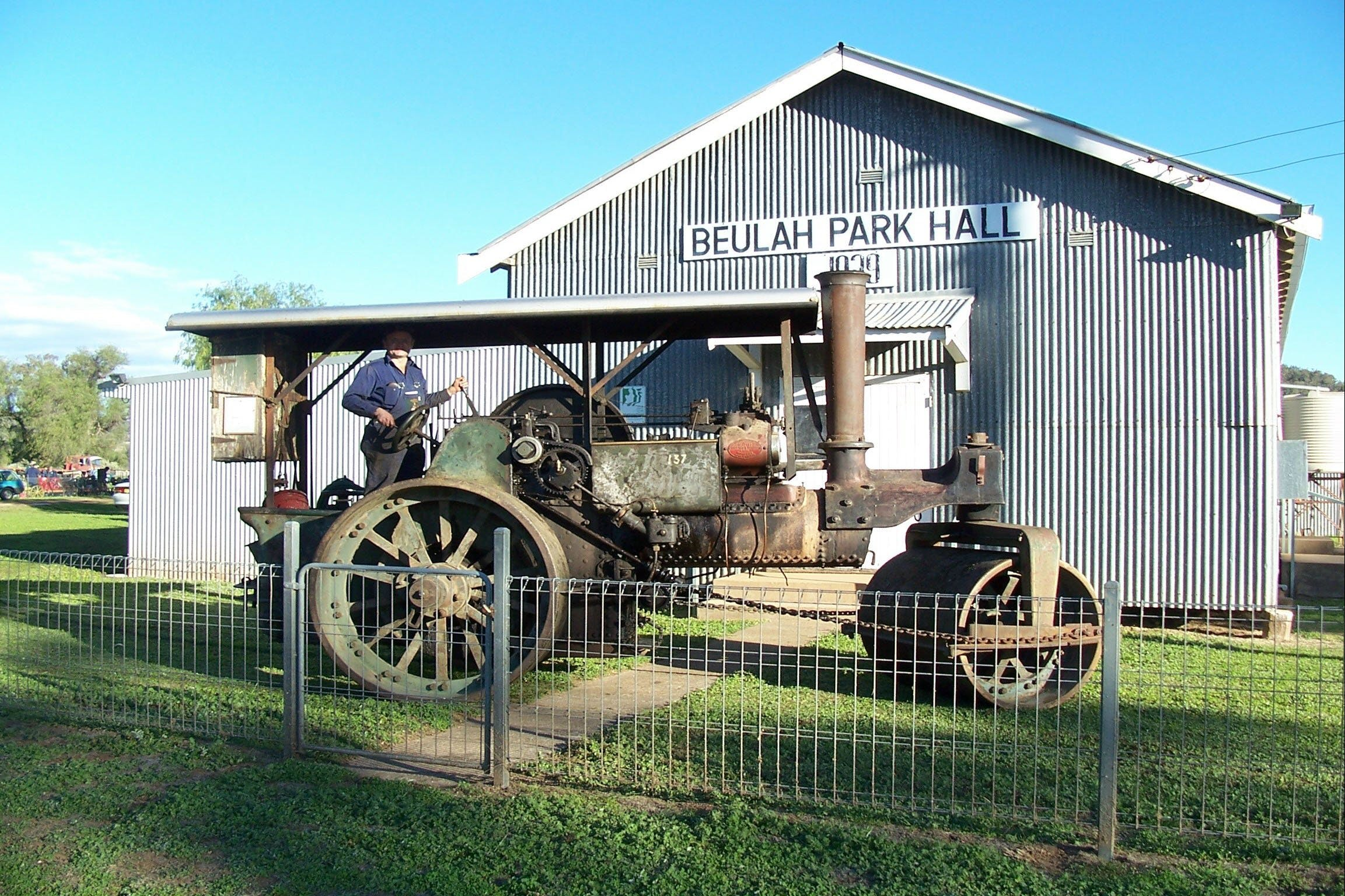 Eulah Creek Antique and Machinery Day - Goulburn Accommodation
