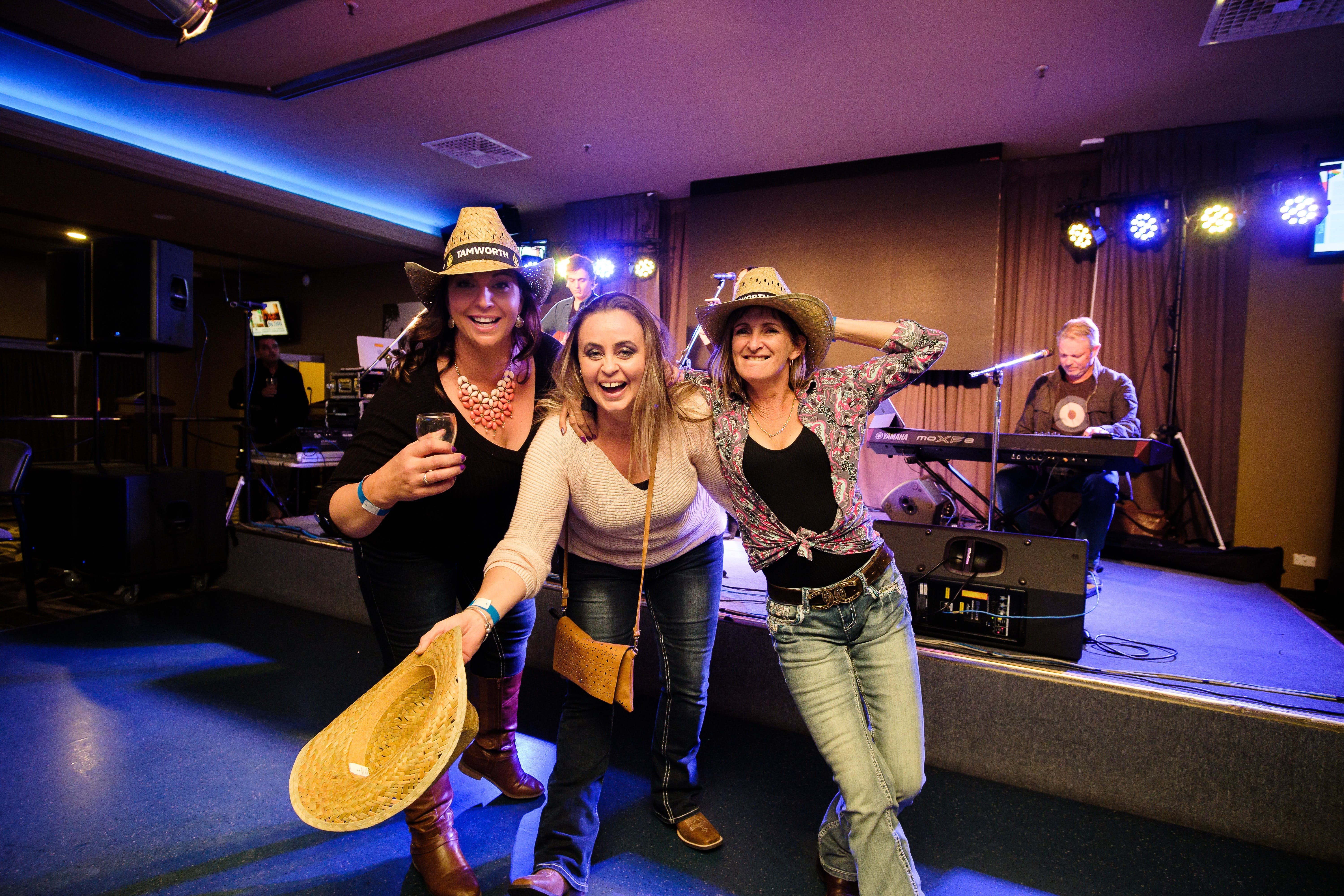 Hats Off to Country Music Festival - Goulburn Accommodation