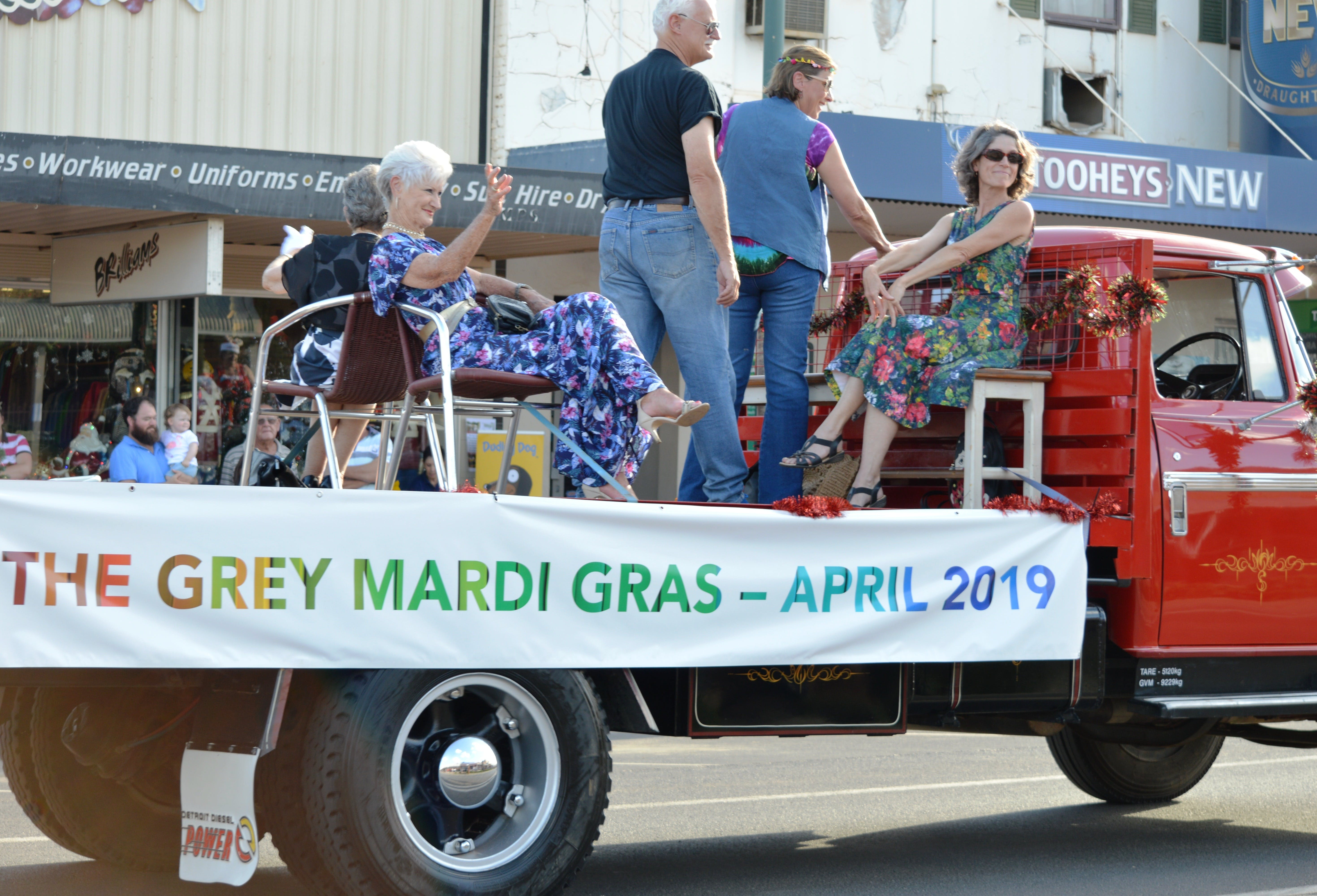 The Grey Mardi Gras - Goulburn Accommodation