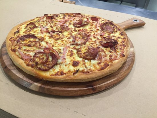 Pizza kitchen - Goulburn Accommodation