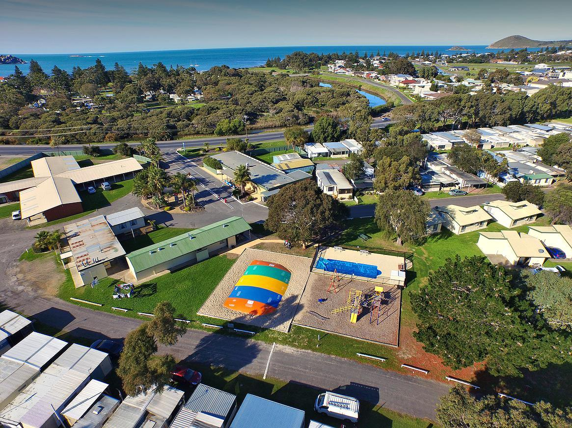 Victor Harbor Holiday  Cabin Park