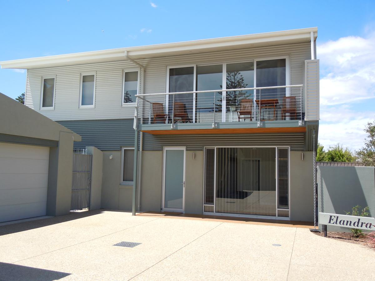 Elandra Holiday Home - Goulburn Accommodation
