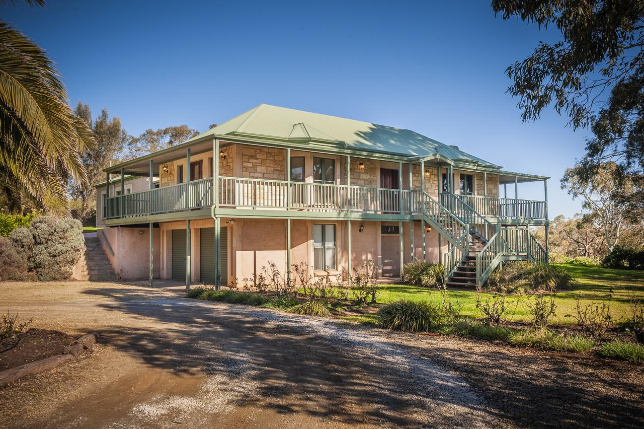 Lindsay House Homestead - Goulburn Accommodation