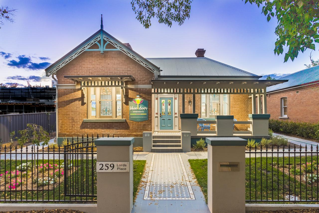 Blue Door Apartments - Goulburn Accommodation
