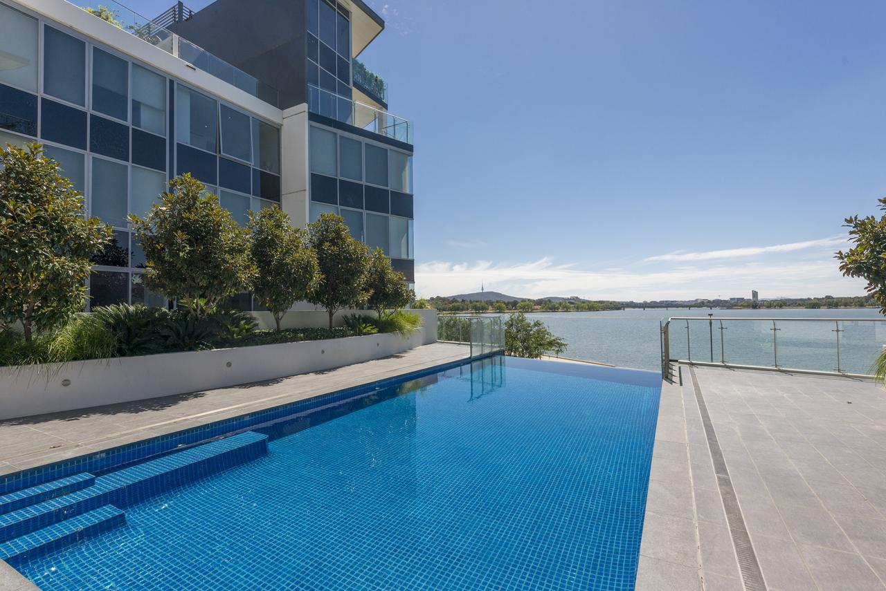 Accommodate Canberra - Lakefront - Goulburn Accommodation