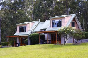 Bawley Bush Retreat and Cottages - Goulburn Accommodation