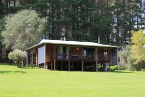 Hawke Brook Chalets - Goulburn Accommodation
